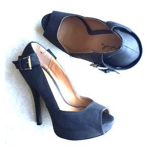 Used twice black qupid heels